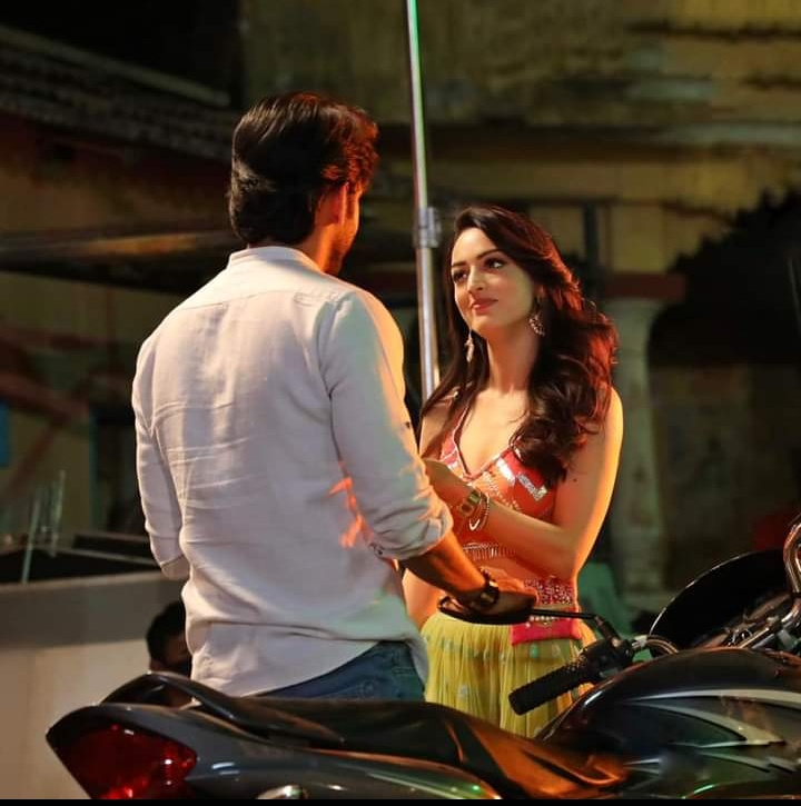 chattis aur maina release date and time